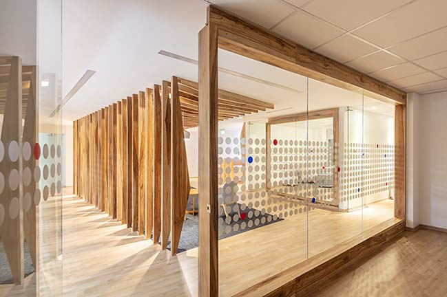 AFD Offices by ESTUDIO 685