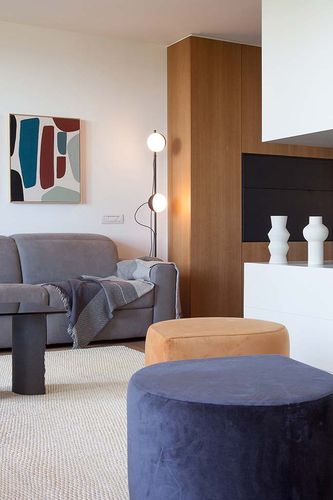 Llull apartment by YLAB Arquitectos