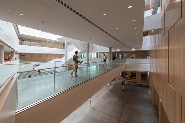 New business school at the University of Cincinnati by Henning Larsen