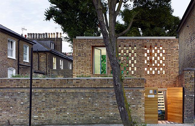 Aperture House by Paul Archer Design