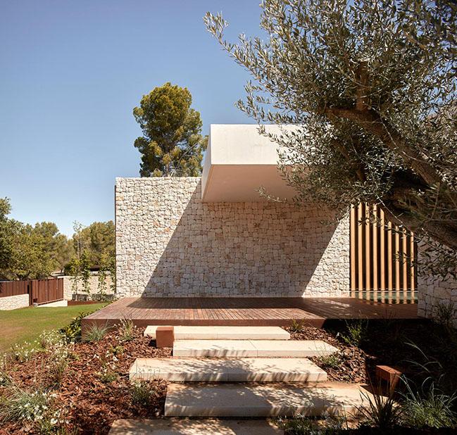 House in La Cañada by Ramón Esteve Estudio