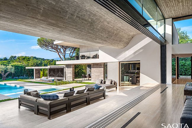 Le Pine: Family summer house in Saint Tropez by SAOTA
