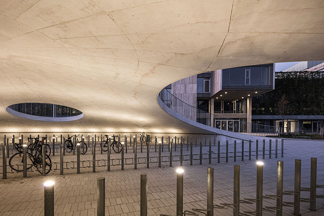Karen Blixens Plads by COBE