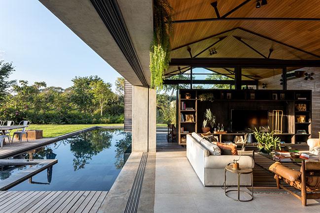 Jordão House by FGMF Arquitetos