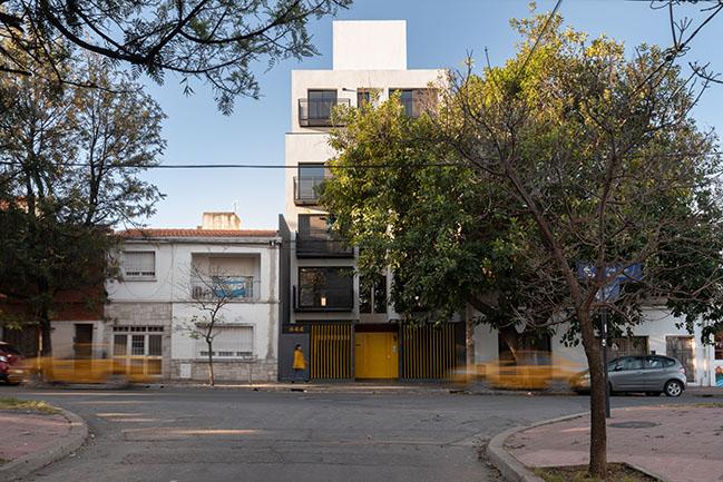 CASA 40 Building by Quaranta and Coraglio Arquitectos
