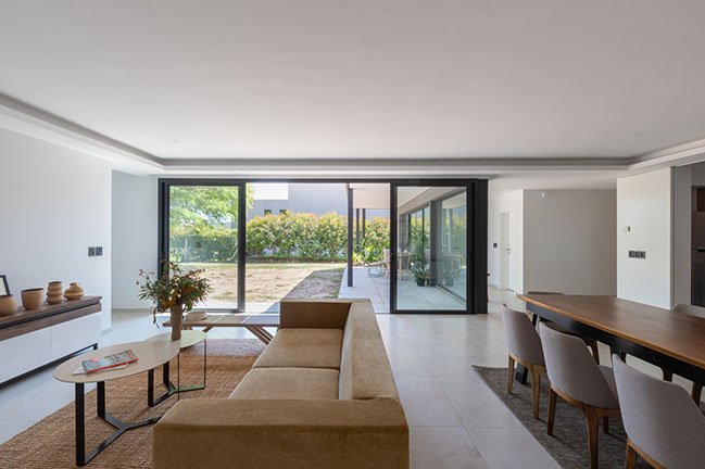 House Francia by CPD ESTUDIO