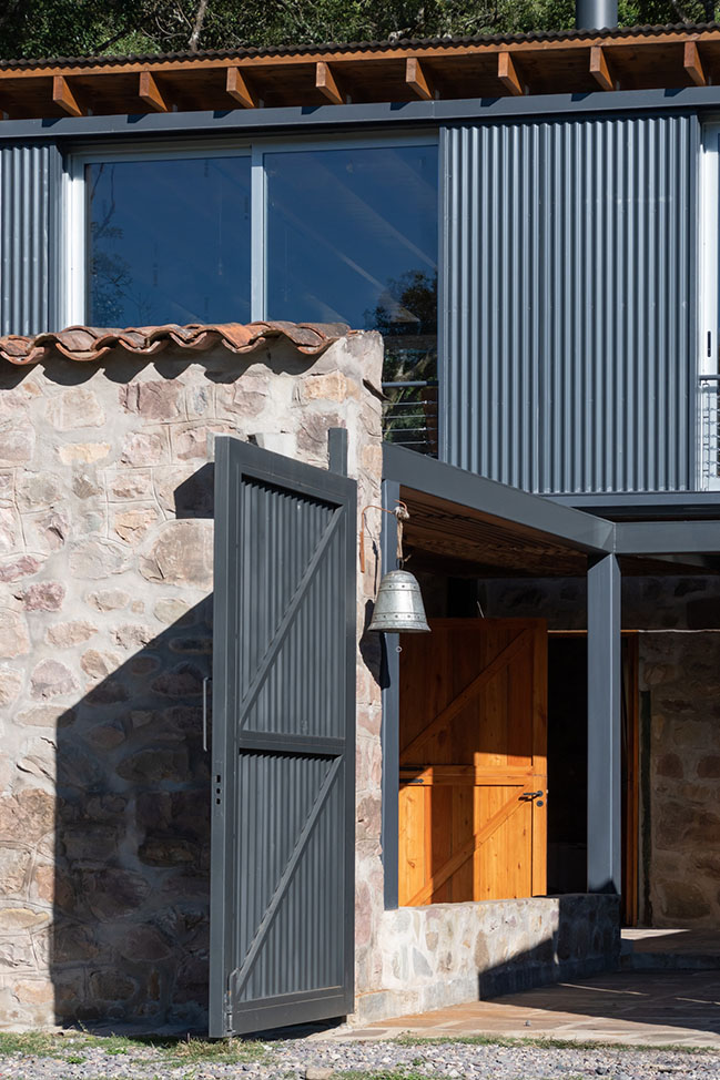 The Stables Las Caballerizas by Carolina Vago Arquitectura