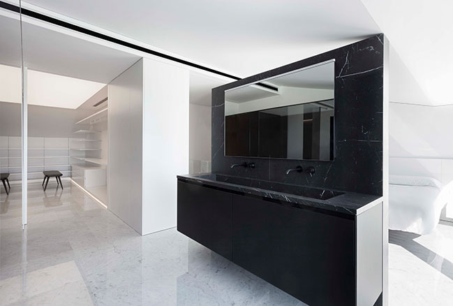 Penthouse in Costa Blanca by Fran Silvestre Arquitectos