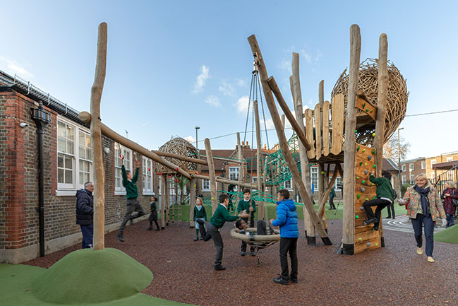 Park Walk Primary School playground by Foster + Partners