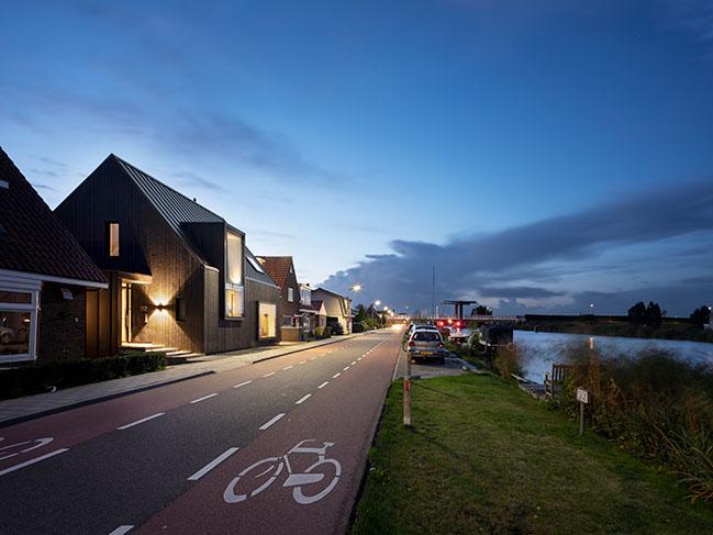 House Akerdijk by Arjen Reas Architecten