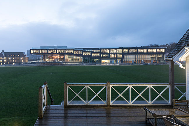 Brighton College School of Science and Sport by OMA / Ellen van Loon