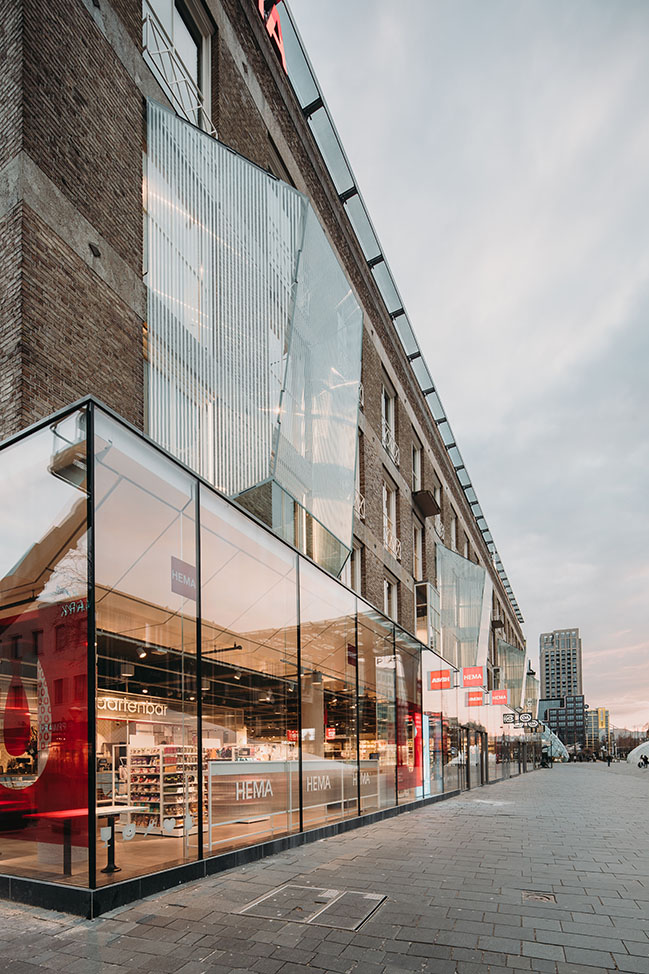 UNStudio completes two new retail remodels featuring bespoke glass designs