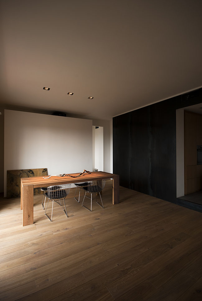 Wood and Iron Apartment by LCA architetti