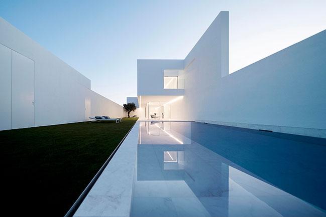 Pati Blau by Fran Silvestre Arquitectos