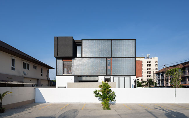 Sena House by Archimontage Design Fields Sophisticated