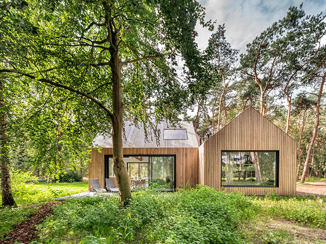 Wooden holiday retreat Villa Tonden by HofmanDujardin