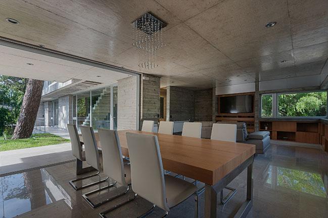 Jacarandá House by Estudio Galera Arquitectura