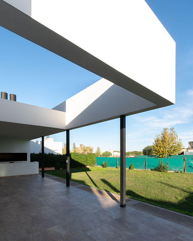 House Fincas by MZ Arquitectos