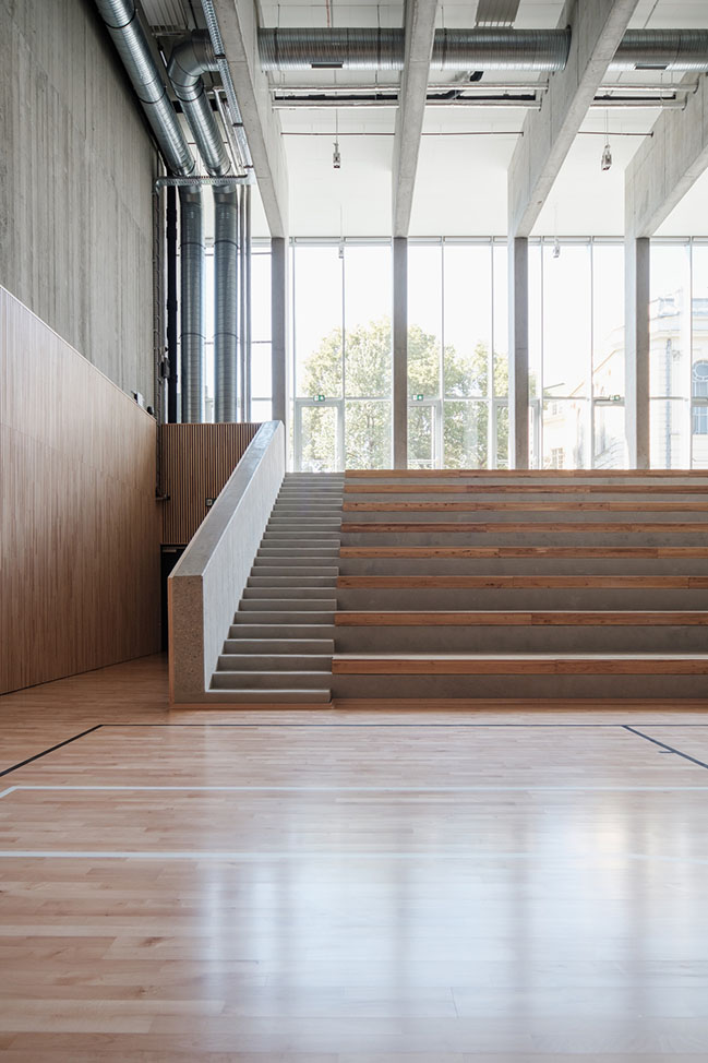 Saint Gellért Hall by építész stúdió