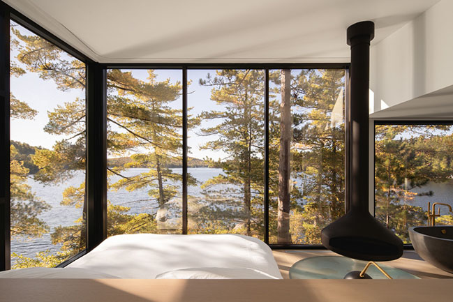 Cottage on the Point by Paul Bernier Architecte