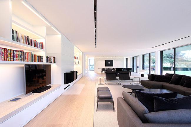 Geneva Villa by JM Architecture