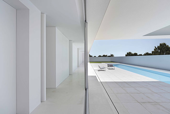 House of Sand by Fran Silvestre Arquitectos