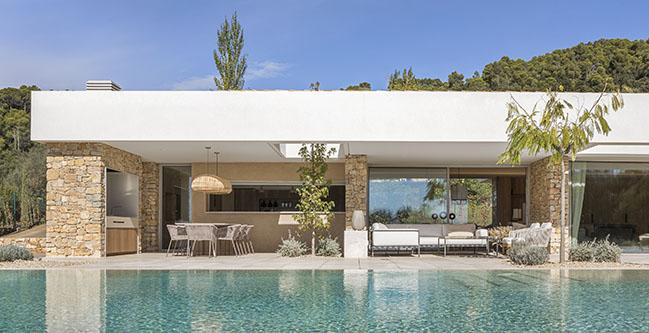 House in Costa Brava by Dom Arquitectura