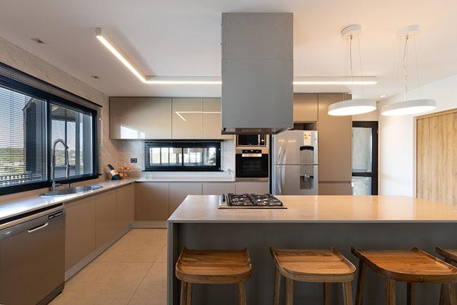 GJA House by Fanesi Navarro Arquitectas