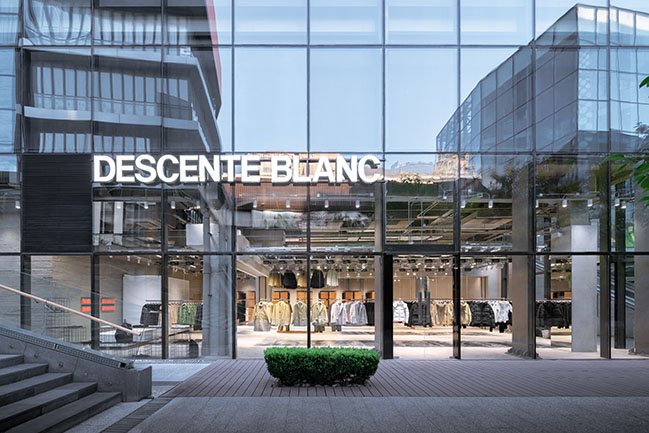 DESCENTE BLANC Beijing by Jo Nagasaka / Schemata Architects