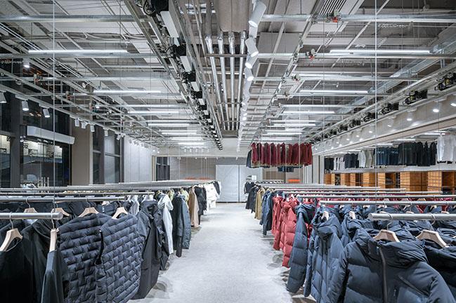 DESCENTE BLANC Beijing by Jo Nagasaka / Schemata Architects