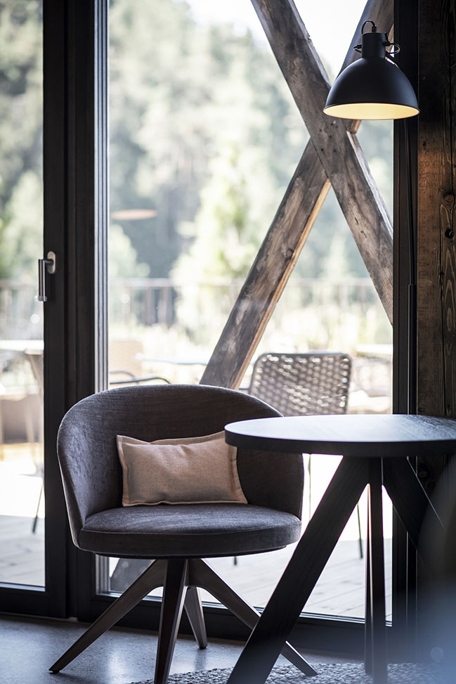 Gfell: A hotel under the barn by noa*