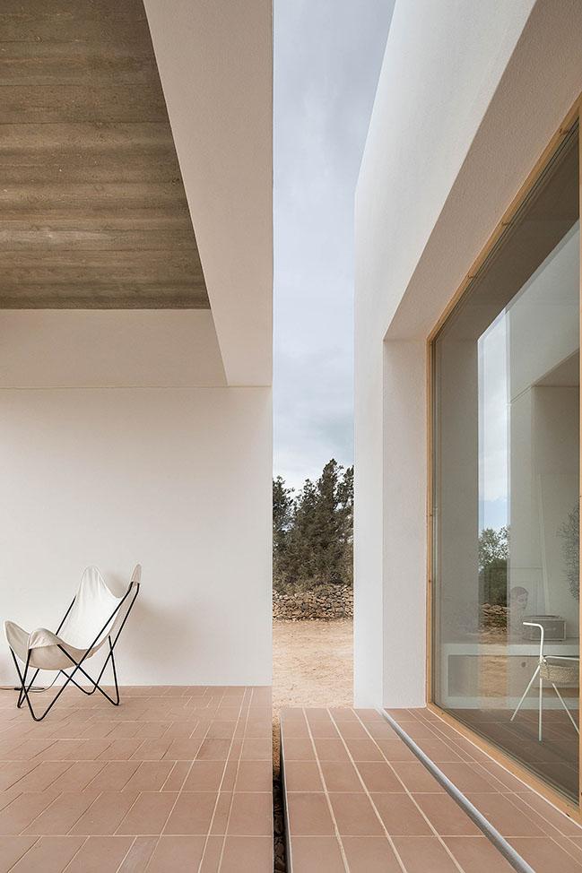 Es Pou: A house in Formentera by Marià Castelló Architecture