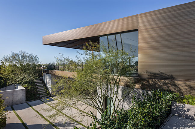SPF:architects completes a Bronze House on Nightingale