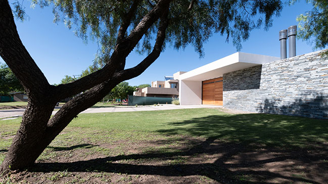 Single-family home in Villa Allende by MZ Arquitectos