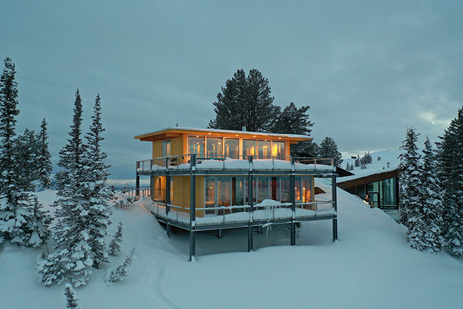 Chalet on Powder Mountain by Jo Nagasaka / Schemata Architects