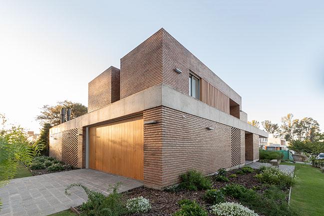 Casa Santina by Estudio Opaco