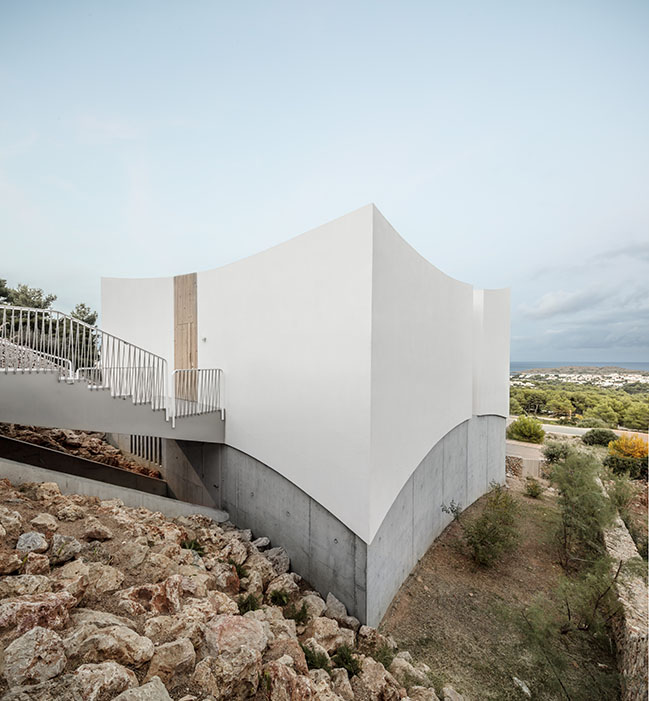 Curved House by NOMO Studio
