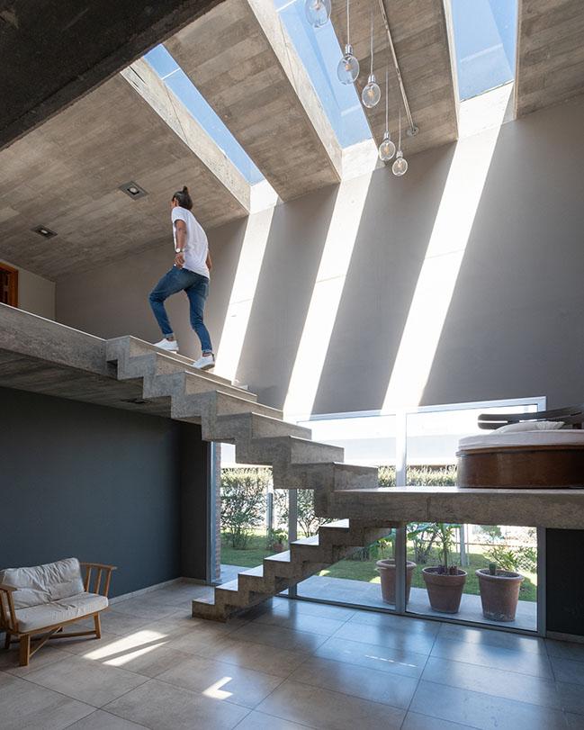 Casa AV by Karlen + Clemente