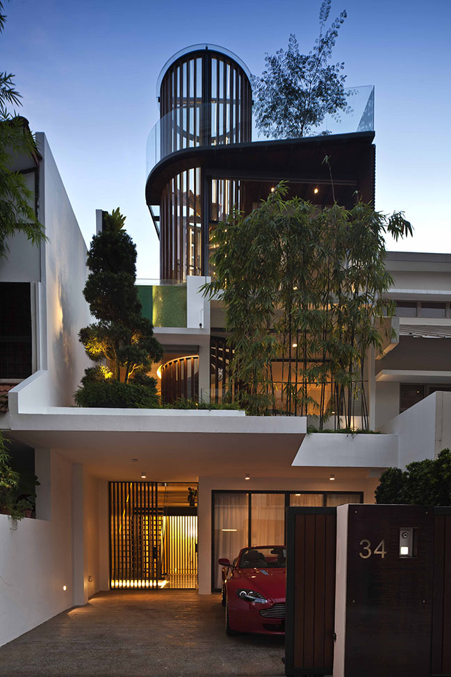 San House by Aamer Architects