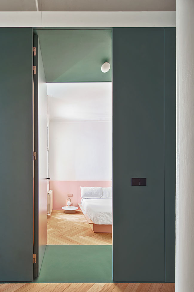 Castro Ruiz House by AMOO - Aureli Mora + Omar Ornaque