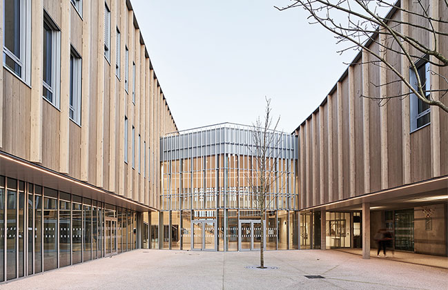College Cazères in France by Séquences Architects