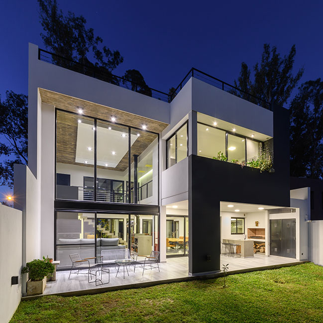 House MGM by CBarquitectas