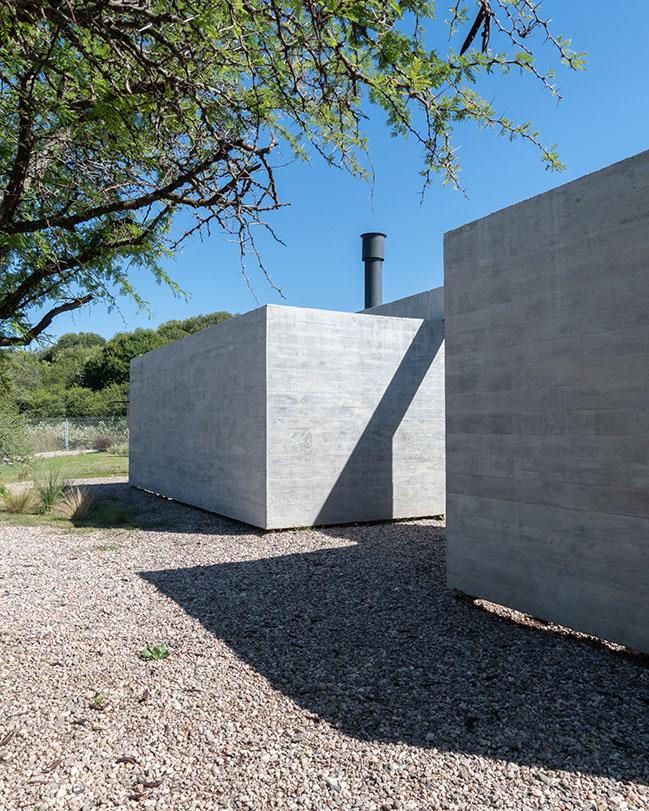 House SI by GRUPO STUDIO