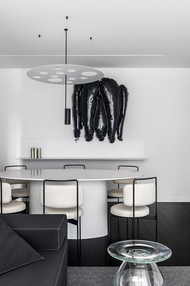 Grey Apartment by Giuliano Marchiorato Arquitetos