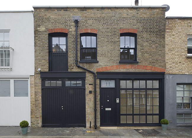 Devonshire Mews West by Woldon