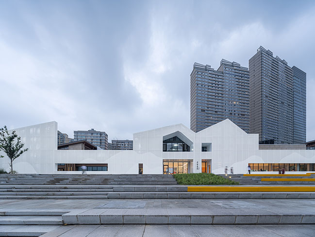 Books in Clouds - Duoyun Bookstore in Huangyan by Wutopia Lab