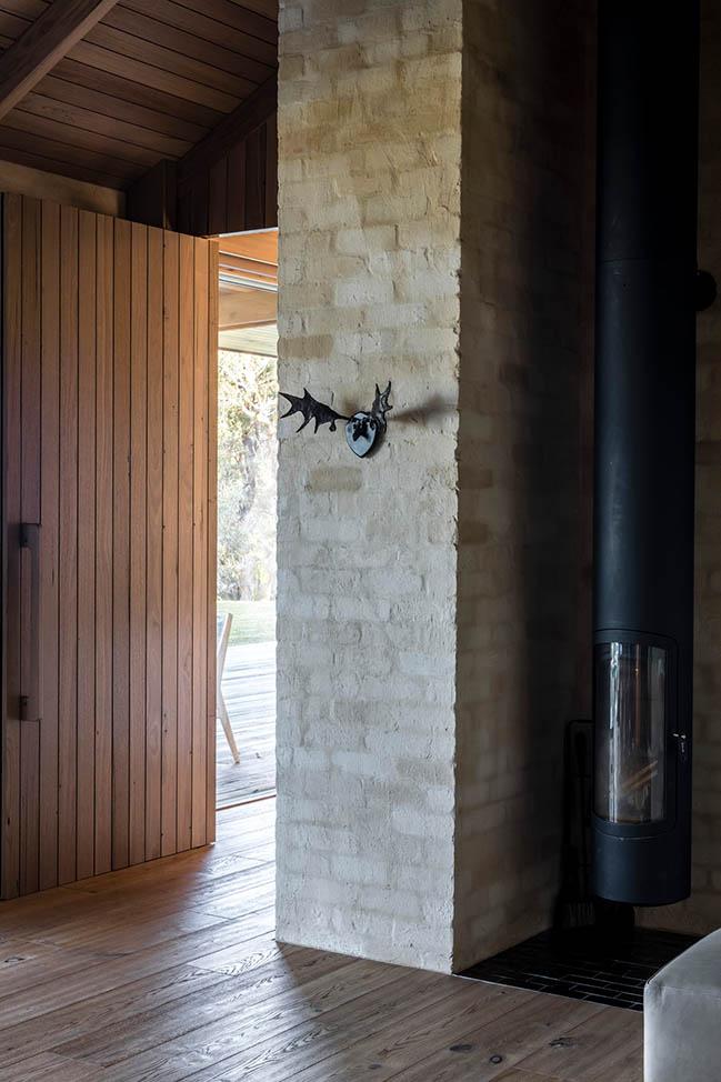 Bones House by Lachlan Shepherd Architects