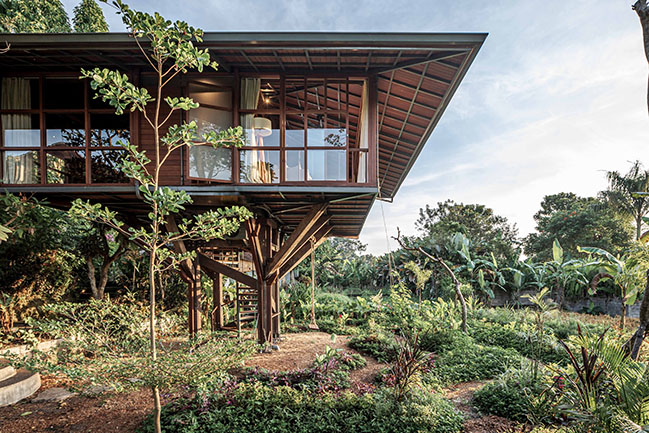 First wooden version of Stilt Studios Treehouse C - up and running