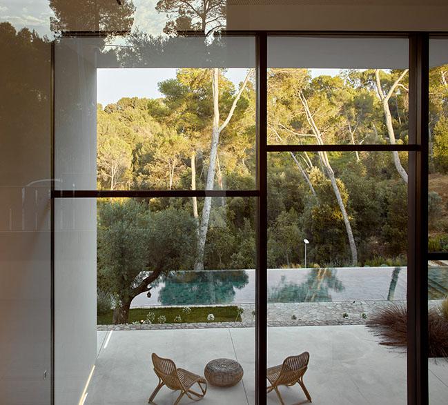 La Calma House by Ramón Esteve Estudio