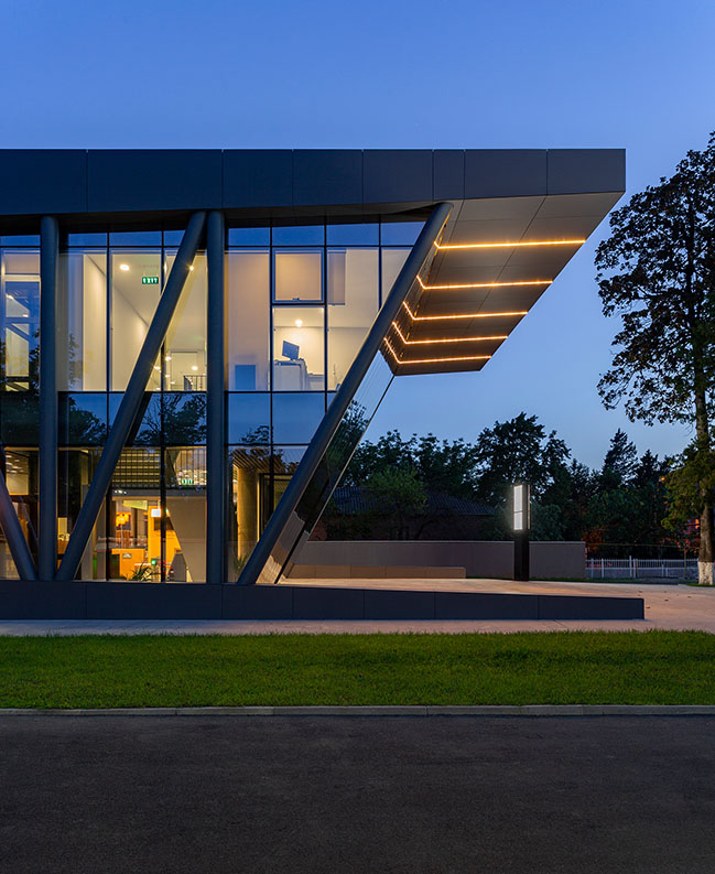 Justice House in Khoni by NS STUDIO